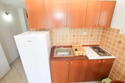 Кухня. Черногория, Обала Джурашевича : Студия с балконом с шикарным видом на море