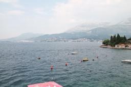 Черногория, Росе : Студия для 2-х человек, с балконом с шикарным видом на море, возле пляжа