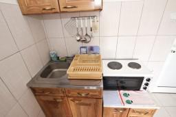 Кухня. Черногория, Кримовица : Студия для 2 человек, с балконом с видом на море