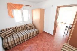 Черногория, Зеленика : Апартамент для 4-6 человек, с отдельной спальней, 70 метров до моря