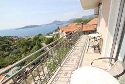 Балкон. Черногория, Пржно / Милочер : Апартамент для 5 человек, с 2-мя отдельными спальнями, с балконом с видом на море