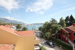 Вид на море. Черногория, Селяново : Студия с террасой с видом на море, 20 метров до пляжа