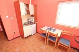 Студия (гостиная+кухня). Черногория, Жанице / Мириште : Студия для 2-3 человек с балконом с видом на море, 80 метров до пляжа