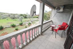 Терраса. Черногория, Росе : Апартамент с отдельной спальней, с большой гостиной, с 2-мя террасами