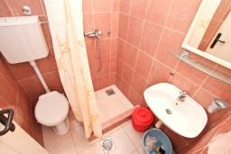 Ванная комната. Черногория, Мельине : Студия для 2 человек, с террасой