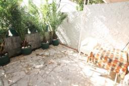 Терраса. Черногория, Герцег-Нови : Студия с террасой укрытой зеленью, Савина, 1-я линия от моря и пляжа Сплендидо