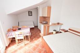 Студия (гостиная+кухня). Черногория, Бигова : Студия для 4 человек, с террасой с видом на море