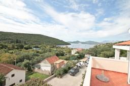 Вид на море. Черногория, Бигова : Студия для 4 человек, с террасой с видом на море
