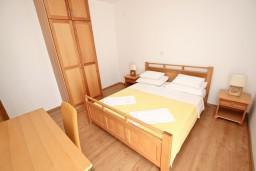 Спальня. Черногория, Святой Стефан : Апартаменты на 4 персоны, 2 спальни, с видом на море