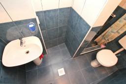 Ванная комната. Черногория, Котор : Уютная студия в Которе с террасой
