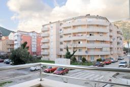 Вид. Черногория, Будва : Апартамент с отдельной спальней, с балконом