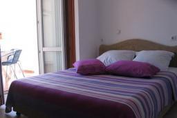 Студия (гостиная+кухня). Черногория, Рафаиловичи : Студио №7 с частичным видом на море (Studio 03)