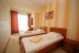 Спальня 2. Черногория, Рафаиловичи : Апартамент №601 с отдельной спальней и видом на море