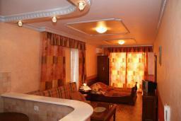 Гостиная. Черногория, Рафаиловичи : Апартамент №3 с отдельной спальней и видом на море