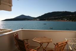 Вид на море. Черногория, Рафаиловичи : Апартамент №3 с отдельной спальней и видом на море
