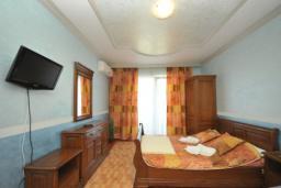 Студия (гостиная+кухня). Черногория, Рафаиловичи : Студио №4 с видом на море
