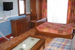 Студия (гостиная+кухня). Черногория, Рафаиловичи : Студио №7 с видом на море