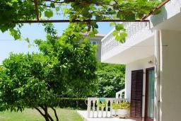 Территория. House Irena 3* в Будве