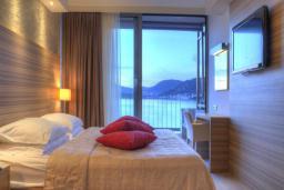 Спальня. Черногория, Пржно / Милочер : Стандартный номер с видом на море