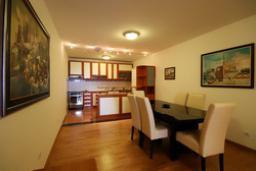 Гостиная. Черногория, Святой Стефан : Люкс апартамент с 2-мя спальнями и видом на море (№4 APP 04 LUX SV)