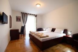 Спальня 2. Черногория, Святой Стефан : Люкс апартамент с 2-мя спальнями и видом на море (№4 APP 04 LUX SV)