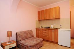 Студия (гостиная+кухня). Черногория, Будва : Студио с балконом (№2 Studio 02+1)