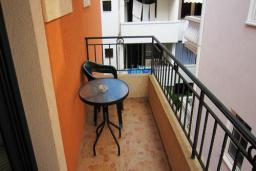 Балкон. Черногория, Будва : Двухместный номер с балконом (№6 TWIN)