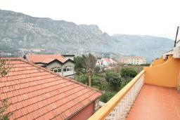 Вид на море. Продается квартира в Прчань. 76м2, гостиная, 2 спальни, балкон с шикарным видом на море, 50 метров до моря, цена - 98'000 Евро. в Прчани