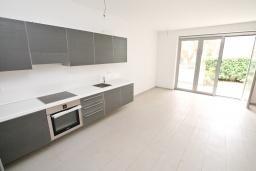 Гостиная. Продается квартира в Герцег-Нови, Савина. 52м2, гостиная, 1 спальня, терраса с видом на море, 150 метров до пляжа, цена - 135'200 Евро. в Герцег Нови