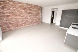 Гостиная. Продается квартира в Герцег-Нови, Савина. 65м2, гостиная, 2 спальни, балкон, 150 метров до пляжа, цена - 143'000 Евро. в Герцег Нови