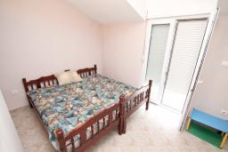 Спальня. Черногория, Зеленика : Апартамент с большой гостиной, с отдельной спальней, с 2-мя балконами