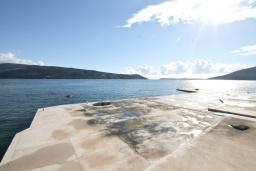 Ближайший пляж. Tomasevic 3* в Герцег Нови