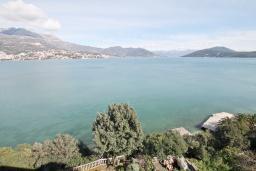 Вид на море. Черногория, Нивице : Комната для 2 человек, с балконом с шикарным видом на море, 30 метров до пляжа