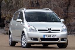 Toyota Corolla Verso 2.2 механика : Черногория