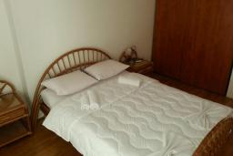 Спальня 2. Черногория, Рафаиловичи : Апартамент 90м2 с 2-мя спальнями, на берегу моря в Рафаиловичи с шикарным видом на море