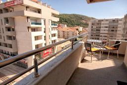 Балкон. Черногория, Будва : Современная студия с большим балконом