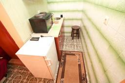 Студия (гостиная+кухня). Черногория, Зеленика : Студия для 4 человек, с балконом