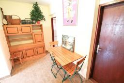 Коридор. Черногория, Зеленика : Студия для 3 человек, с балконом