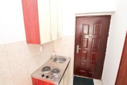 Студия (гостиная+кухня). Продается квартира-студия в Герцег-Нови, Мельине. 23м2, балкон с видом на море, 80 метров до пляжа, цена - 41'400 Евро. в Мельине