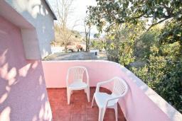 Балкон. Продается квартира-студия в Герцег-Нови, Мельине. 34м2, балкон с видом на море, 80 метров до пляжа, цена - 61'200 Евро. в Мельине