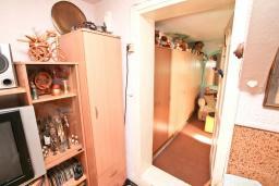Гостиная. Продается квартира в Зеленике. 40м2, гостиная, спальня, 20 метров до моря, цена - 80'000 Евро. в Зеленике