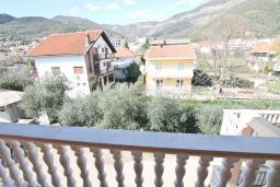 Вид. Продается большой 3-х этажный дом в Биела. 433м2, 10 спален, 6 ванных комнат, участок 500м2, 60 метров до моря, цена - 3'500'000 Евро. в Биеле