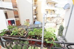 Вид. Продается квартира в Будве, Бабилония. 36м2, гостиная, спальня, 400 метров до моря, цена - 70'000 Евро. в Будве