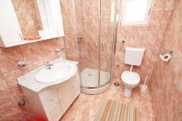 Ванная комната. Черногория, Булярица : Апартамент с 2-мя отдельными спальнями, с 2-мя балконами