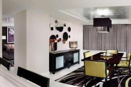 Гостиная. Черногория, Герцег-Нови : Апартаменты с 2 спальнями и видом на море