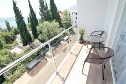 Балкон. Черногория, Герцег-Нови : Двухместный номер Комфорт с балконом и видом на море