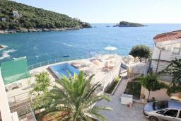 Вид на море. Черногория, Утеха : Комната для 2 человек, с балконом с видом на море, возле пляжа