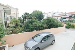 Вид. Черногория, Игало : Апартамент с отдельной спальней, 50 метров до моря