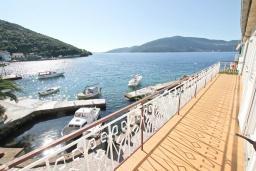Балкон. Черногория, Росе : Студия с балконом с шикарным видом на море, возле пляжа