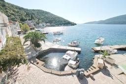 Вид на море. Черногория, Росе : Студия с балконом с шикарным видом на море, возле пляжа